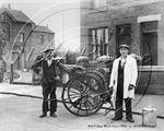 Picture of Cheshire - Crewe, Milkmen c1940s - N1072