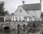 Picture of Herts - A Quaint Riverside View c1930s - N141